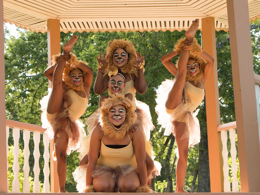 Lion King performance by Team Rise